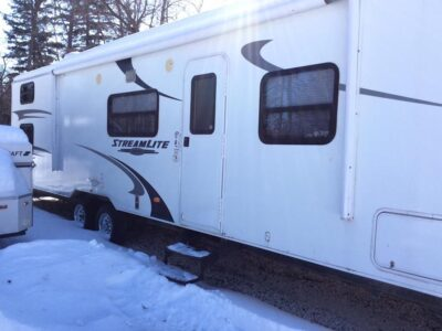 28 Foot GulfStream Trailer
