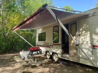 25' Corsair by Thor 1989 Renovated 5th wheel trailer